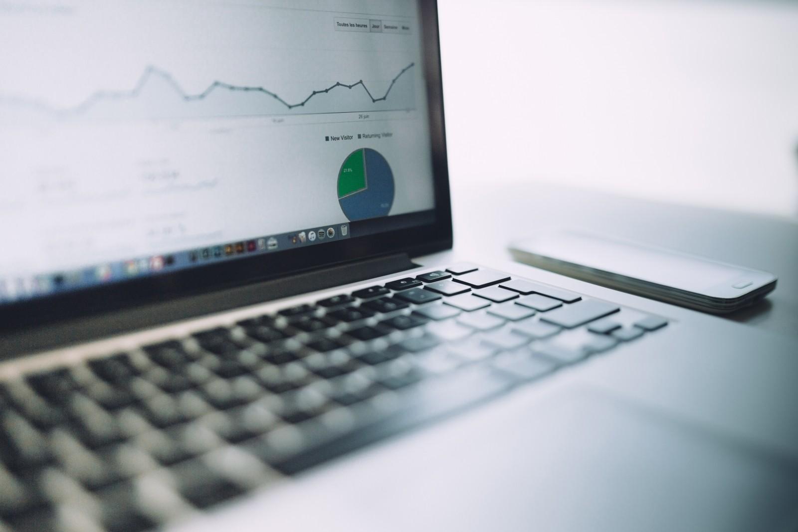 analytics-charts-traffic-marketing-laptop-computer